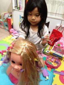 dream dazzlers blonde styling head 10