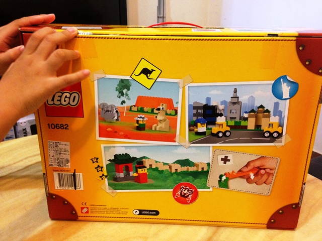 LEGO 10682 Bricks & More Creative Suitcase 03