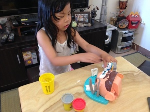 Play-Doh Doctor Drill 'n Fill 10