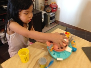 Play-Doh Doctor Drill 'n Fill 13